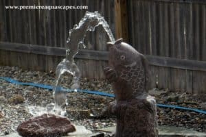 Spitting frog water fountain